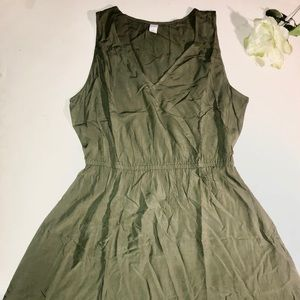 Olive green dress NWT 🏷‼️